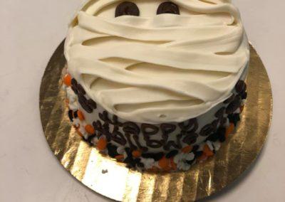 dog mummy cake